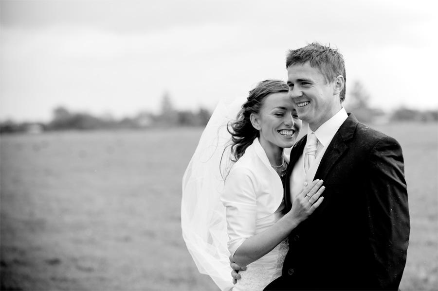 Zdjęcia ślubne w deszczu